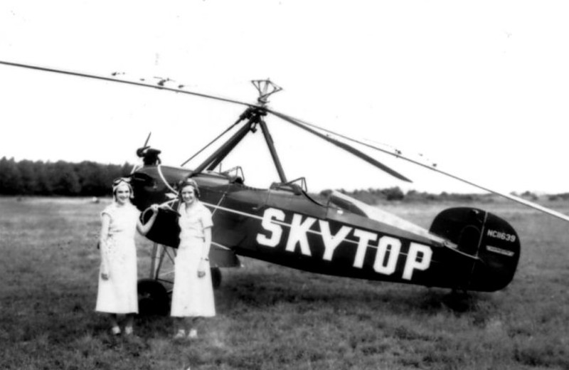 Historical photo of plane at Skytop Lodge.