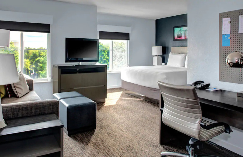 Guest room at Hyatt House Branchburg.