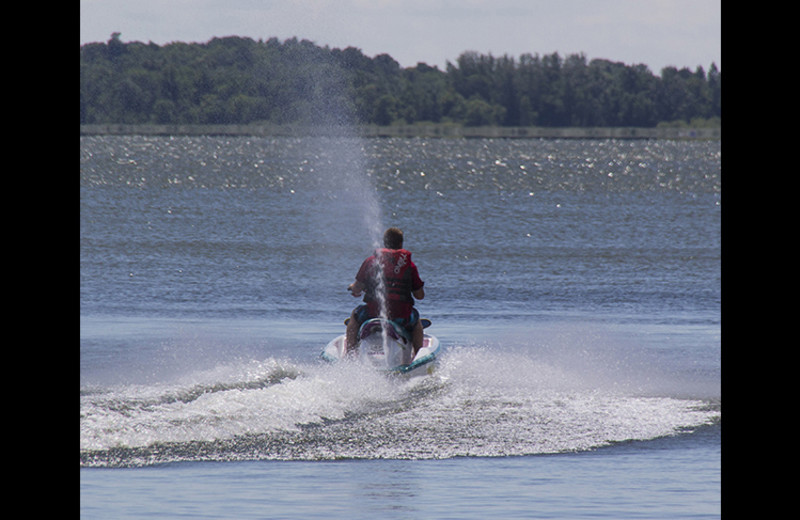 Water skiing at Rusty Moose Resort.