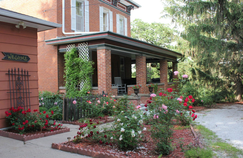 Exterior view of Whispering Pines Bed and Breakfast.