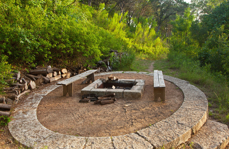 Fire pit at The Retreat at Balcones Springs.