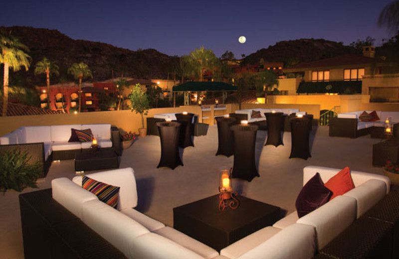 Outdoor Seating at Pointe Hilton Tapatio Cliffs Resort