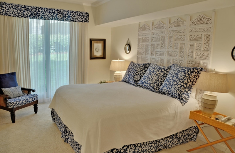 Guest room at The Villas of Amelia Island Plantation.