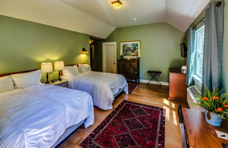 Guest room at The Shawnee Inn and Golf Resort.