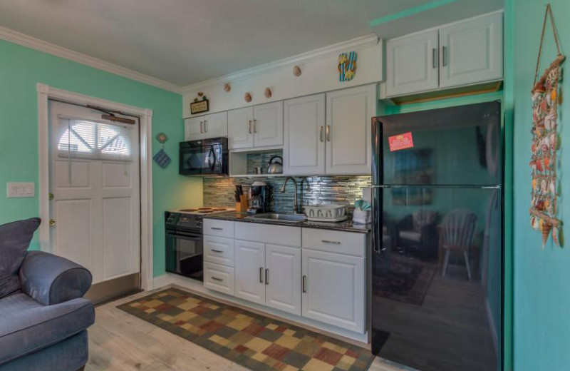 Rental kitchen at Belloise Realty.