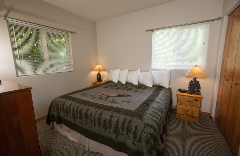 Guest room at Morrison's Rogue River Lodge.