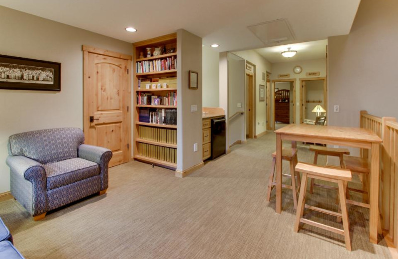 Library at Olympic Foothills Lodge.