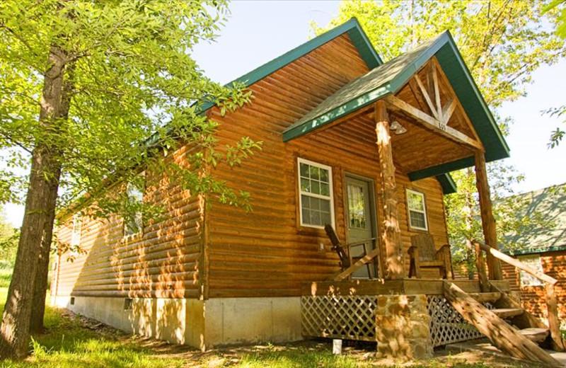Cabin exterior at The Cabins at Stockton Lake.