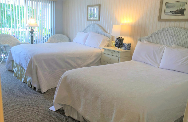 Guest room at Harbour Towne Inn on the Waterfront.