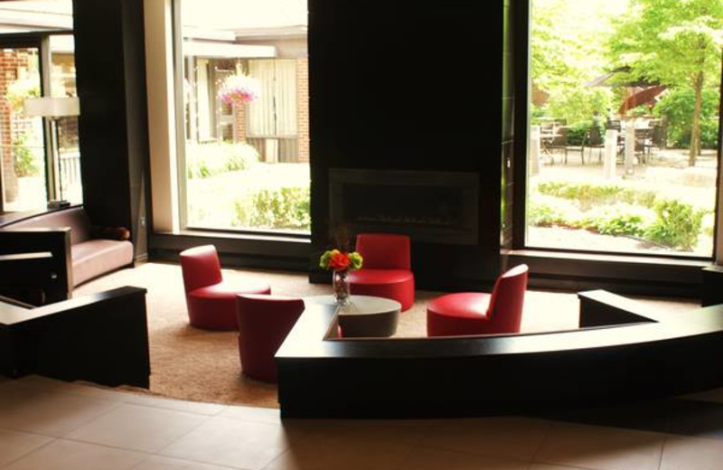Seating Area at the Delta Markham