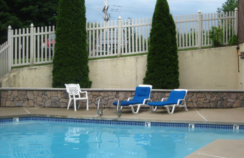 Outdoor pool at Cathedral Ledge Resort.