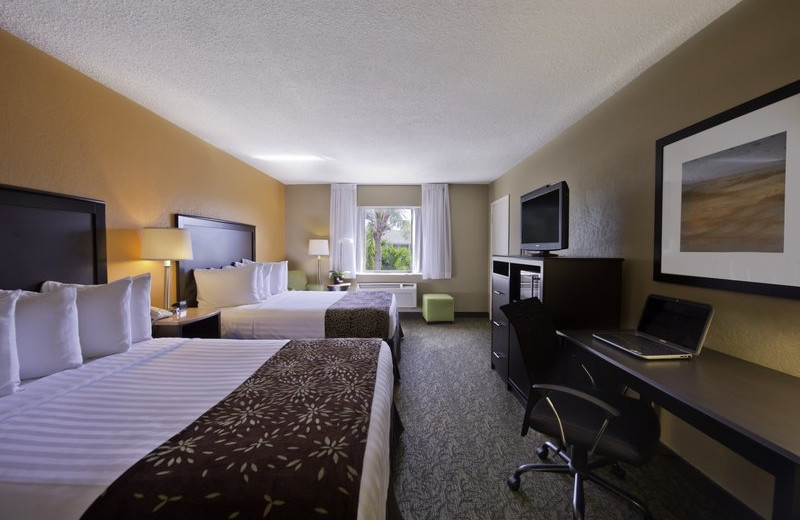 Guest room at Best Western Palm Beach Lakes.