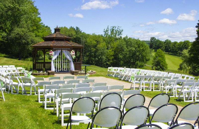 Outdoor wedding at Villa Roma Resort and Conference Center.