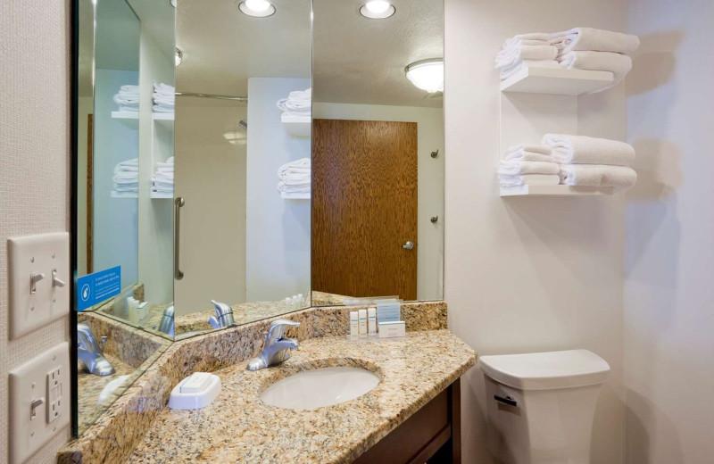 Guest bathroom at Hampton Inn Duluth Canal Park.
