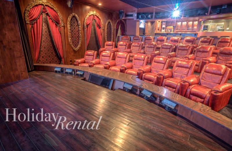 Rental theater at HolidayRental.com.