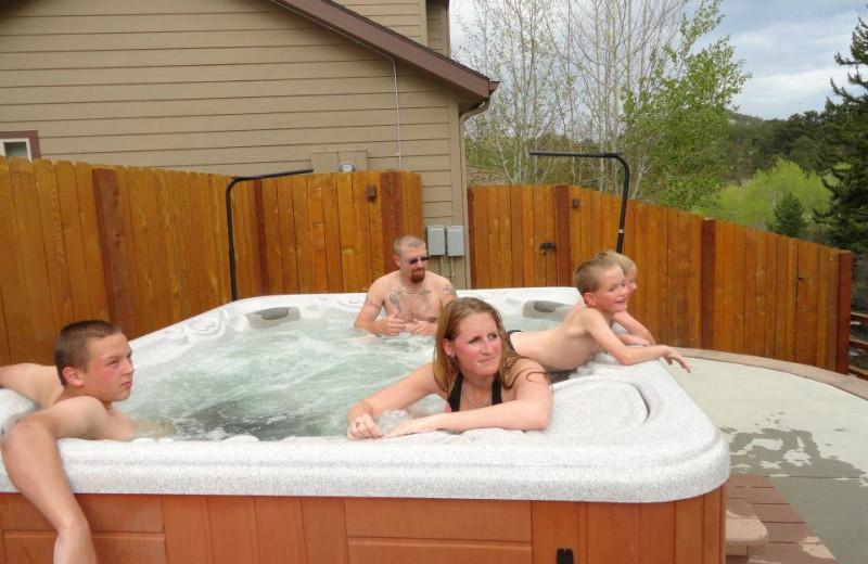Hot tub at Beaver Brook on the River.