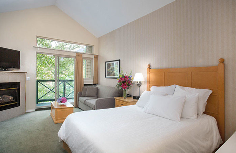 Guest room at Pinnacle International Hotel Whistler.