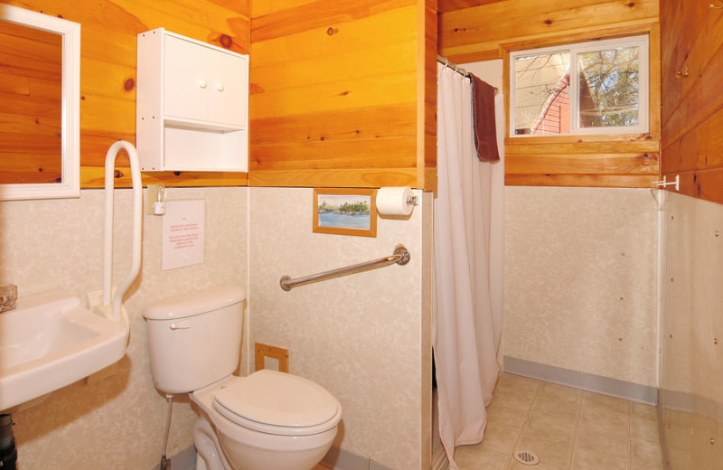 Guest bathroom at Whitefish Bay Camp.