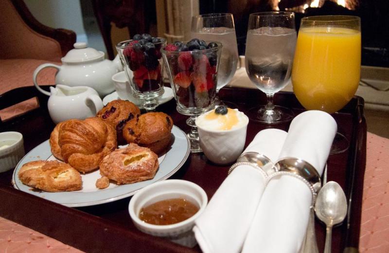 Breakfast at Les Mars Hotel.