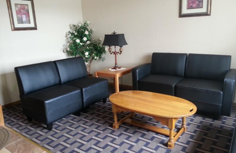 Lobby at Sky Lodge Inn & Suites.