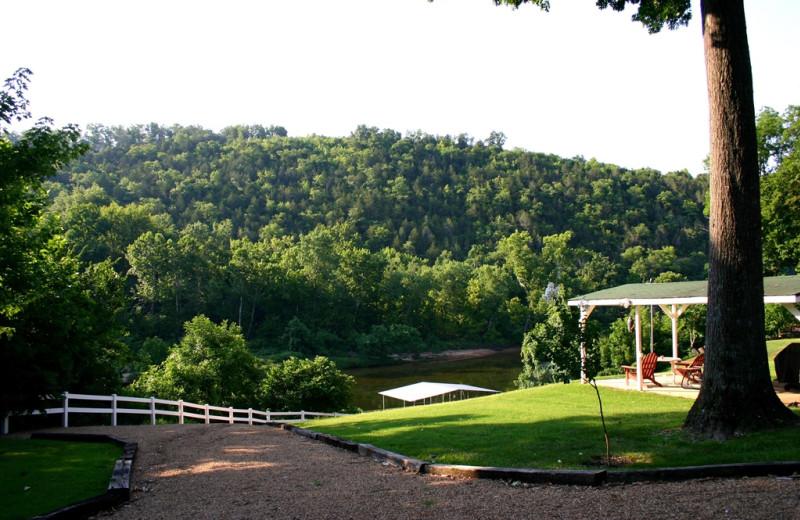 Grounds at River Ridge Inn.