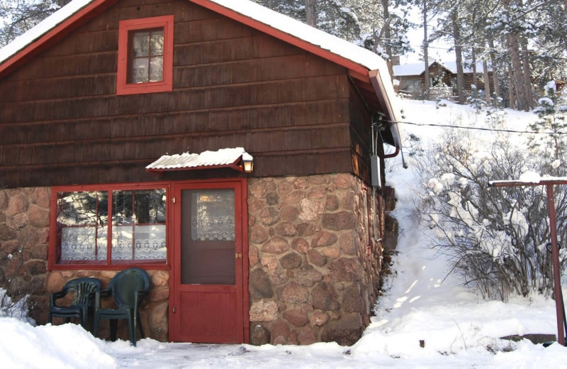 Cottage exterior at Rocky Mountain Lodge & Cabins.
