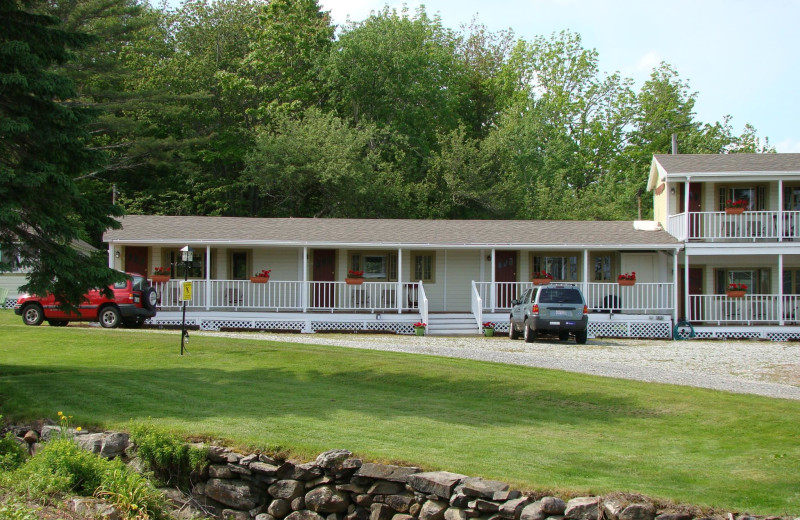 Motel exterior at Bay Leaf Cottages & Bistro.