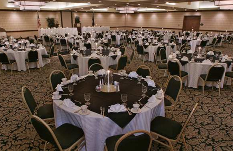 Wedding Decor at Doubletree by Hilton