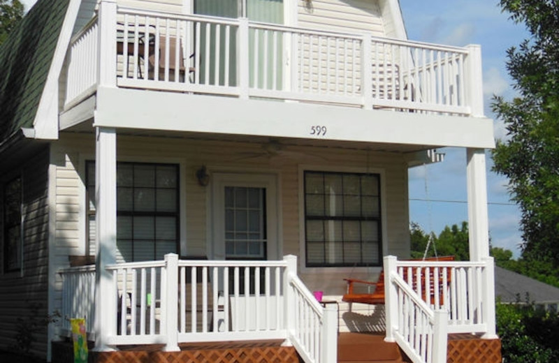 Beautiful front porch and balcony