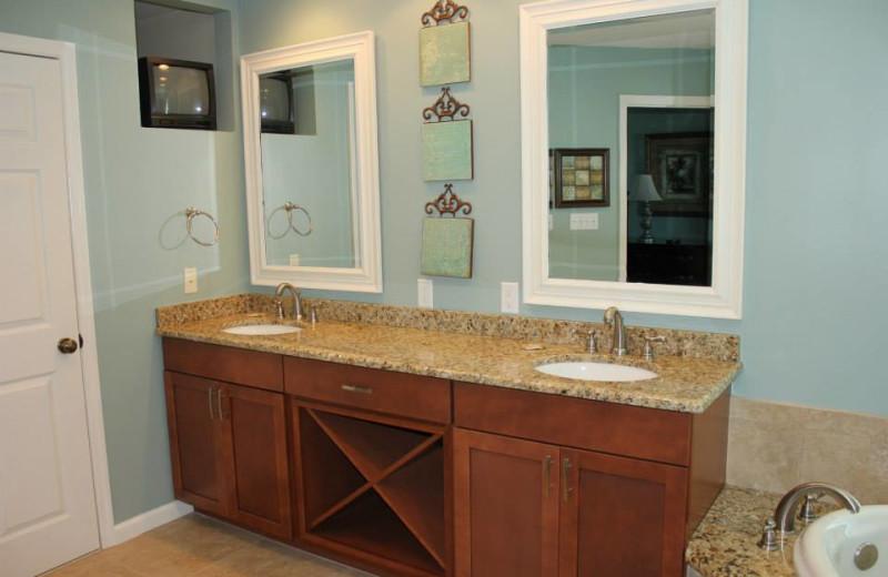 Vacation rental vanity at Newman-Dailey Resort Properties, Inc.
