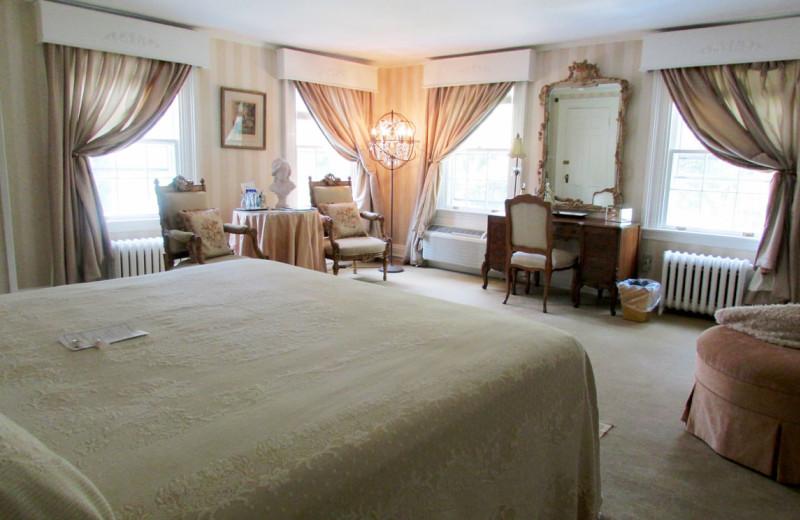 Guest room at Roger Sherman Inn.