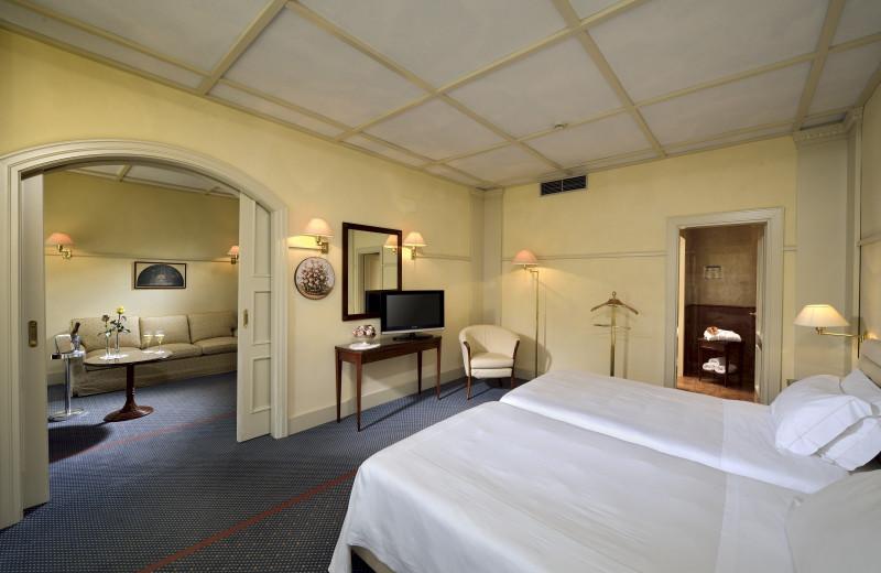 Guest room at Hotel du Lac et du Parc.
