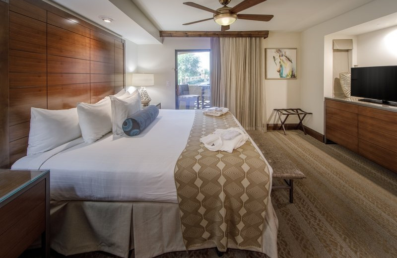 Guest room at Holiday Inn Club Vacations Scottsdale Resort.