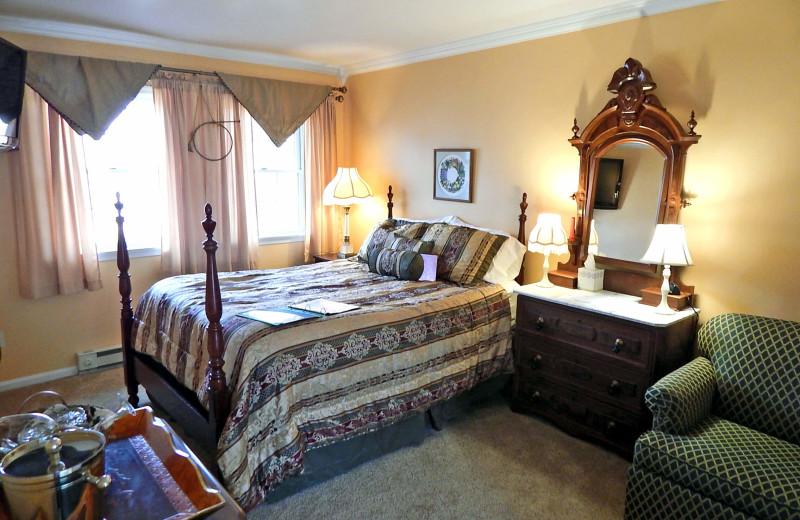 Guest room at Battlefield Bed & Breakfast.