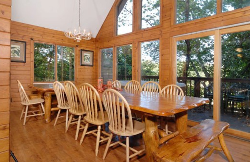 Cabin dining room at Cabins For You.