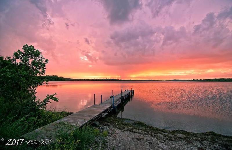 Sunset a Ten Mile Lake Resort.
