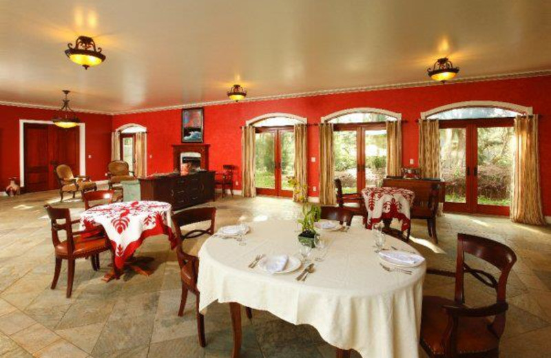 Dining area at Hawaii Island Retreat.