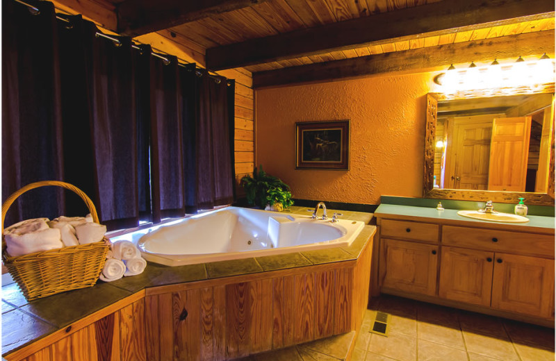 Cabin bathroom at Whispering Hills Cabins.