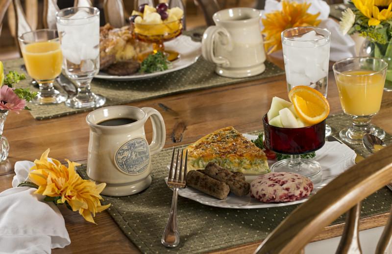 Breakfast at 1825 Inn Bed & Breakfast