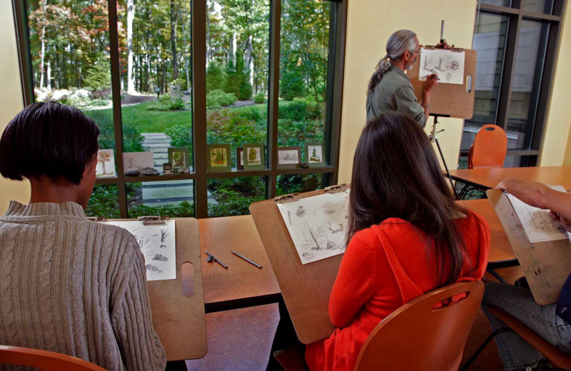 Art classes at Woodloch Resort.