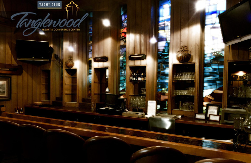 Bar at Tanglewood Resort and Conference Center.