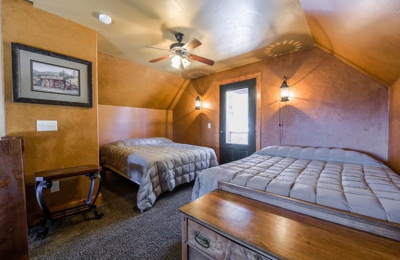 Rental bedroom at Deadwood Connections.