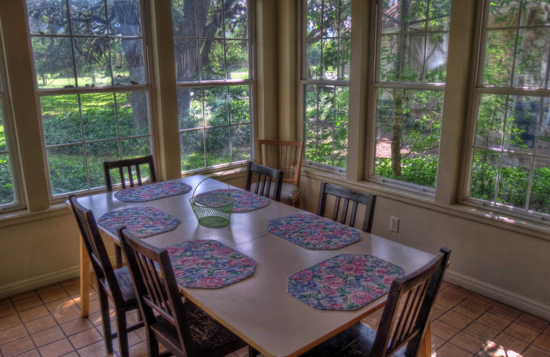 Cabin dining room at Foxfire Cabins.