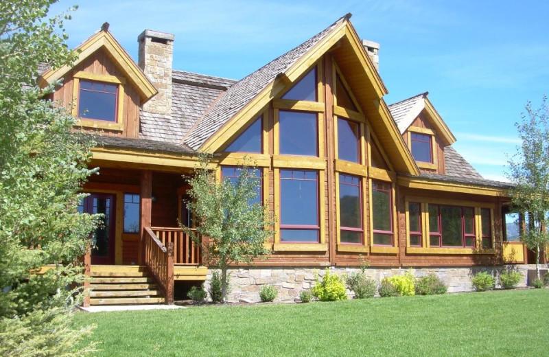 Exterior view of Lone Elk Lodge.