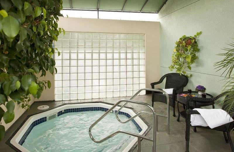 Hot tub at Best Western Carlyle Inn.
