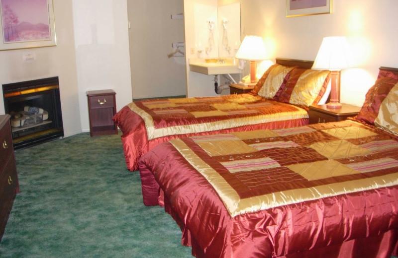 Guest room at Vintage Lakeside Inn.