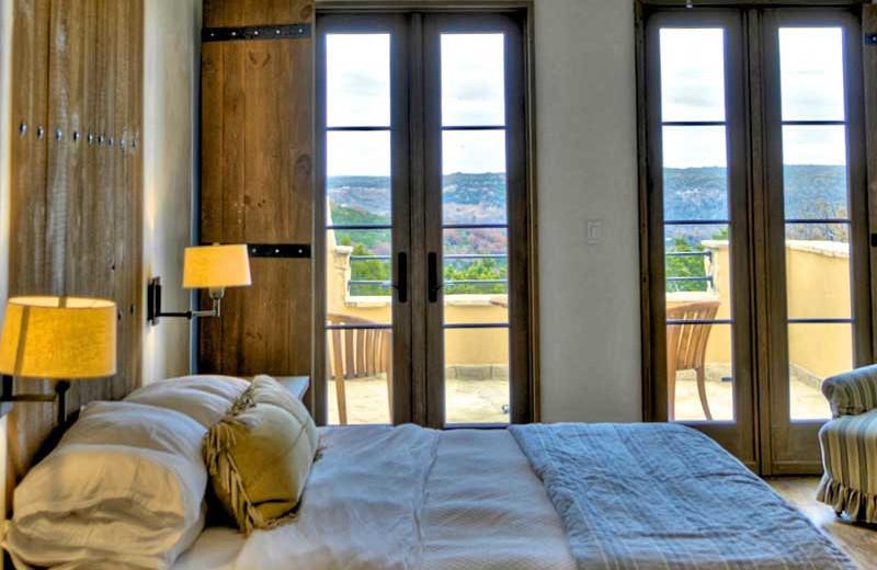 Guest bedroom at Stablewood Springs Resort.