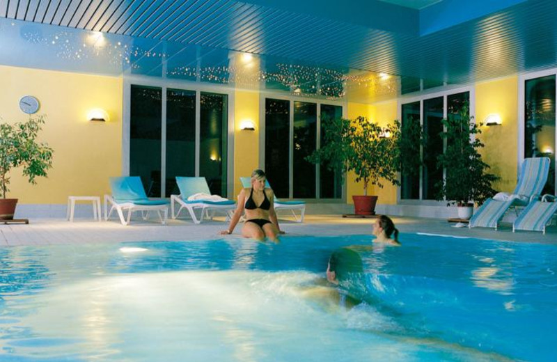 Indoor pool at TOP Central Sporthotel.