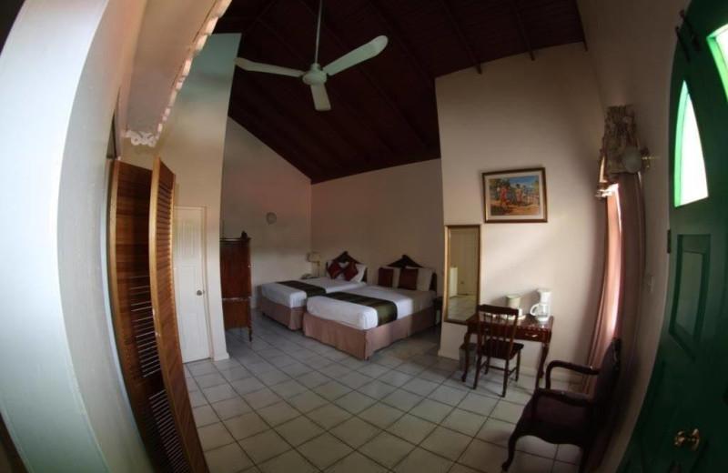 Guest room at Villa Sonate.