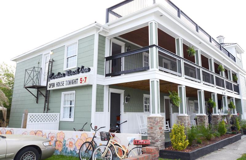 Exterior view of Carolina Beach Inn.